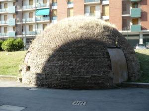 Foto 1  La ghiacciaia dell'ospedale S. Orsola a Bologna