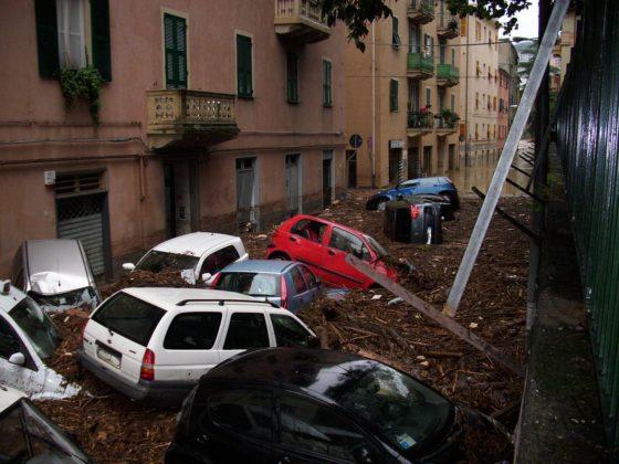 1280px-Alluvione_sestri_ponente_ottobre_2010_-_04