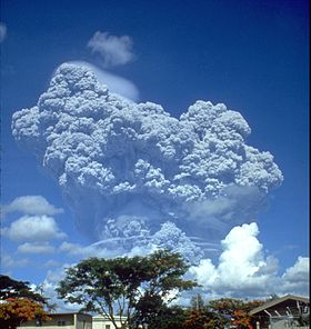 280px-Pinatubo91eruption_clark_air_base