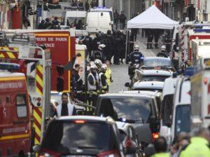 Blitz nella banlieue parigina di Saint Denis